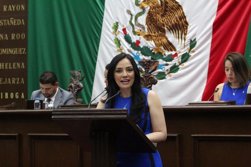 Hernández Íñiguez presentó su iniciativa de proyecto de Decreto por el que se expide la Ley de Juicio Político para el Estado de Michoacán