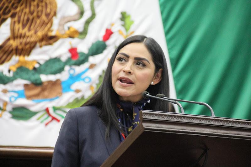 Saucedo Reyes recalcó que Michoacán tiene la Zona Económica Especial compartida con Guerrero, en el puerto de Lázaro Cárdenas, la cual cuenta con posibilidades de inversión que, según estimaciones, se traduciría en al menos 10 mil empleos directos