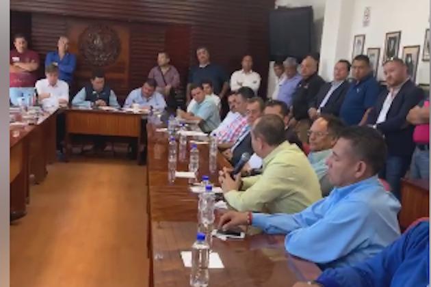 """""""Respecto al negocio Uber, nada por encima de la Ley"""", señaló el dirigente transportista michoacano y líder de la CATEM, José Trinidad Martínez Pasalagua"""