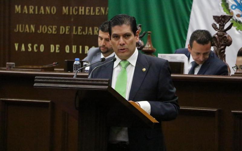El diputado local por el PVEM, Ernesto Núñez Aguilar, presentó una iniciativa de reforma al Código Penal en torno a delitos contra el ambiente