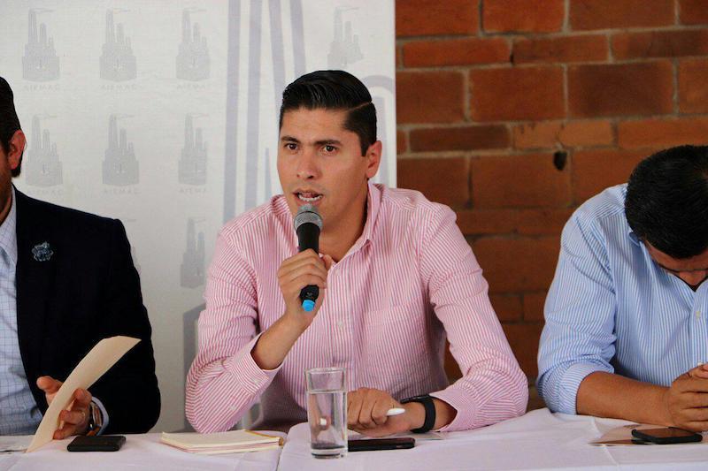 Paredes Andrade hizo votos para que el jefe del Ejecutivo Federal, escuché las voces de los empresarios y economistas que vislumbran un panorama oscuro para Michoacán y otras 6 entidades de la República
