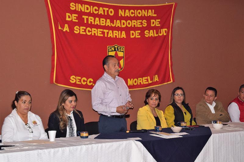 El líder sindical, Arturo Menchaca Sotelo, agradeció la disposición y apertura de la secretaria Carpio Ríos, a quien le reconoció el trabajo en equipo que ha desarrollado de la mano con los sindicatos