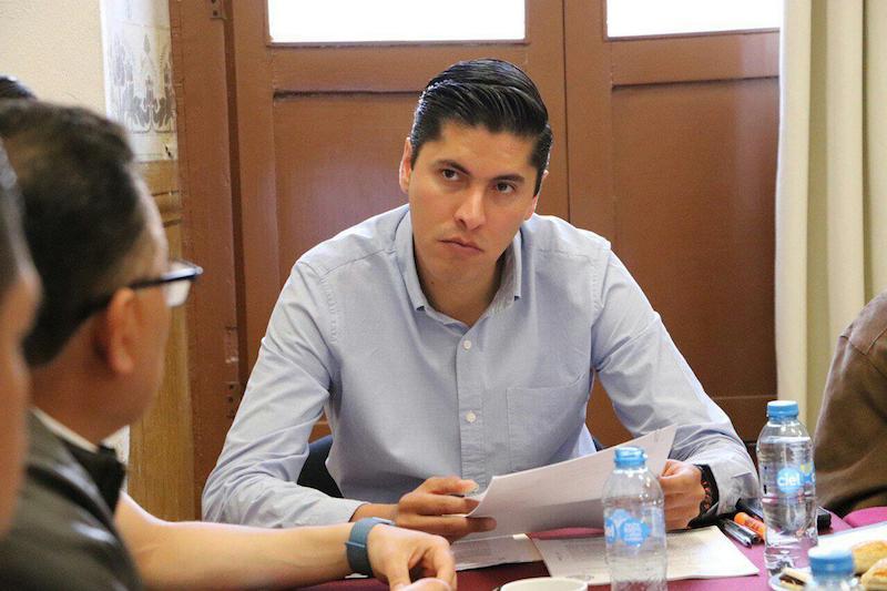 Paredes Andrade refirió que en los resultados de las evaluaciones, se advierten calificaciones reprobatorias, en el área de conocimientos generales y en materia electoral, así como de conocimientos en contabilidad y finanzas, enfocados en el ámbito gubernamental