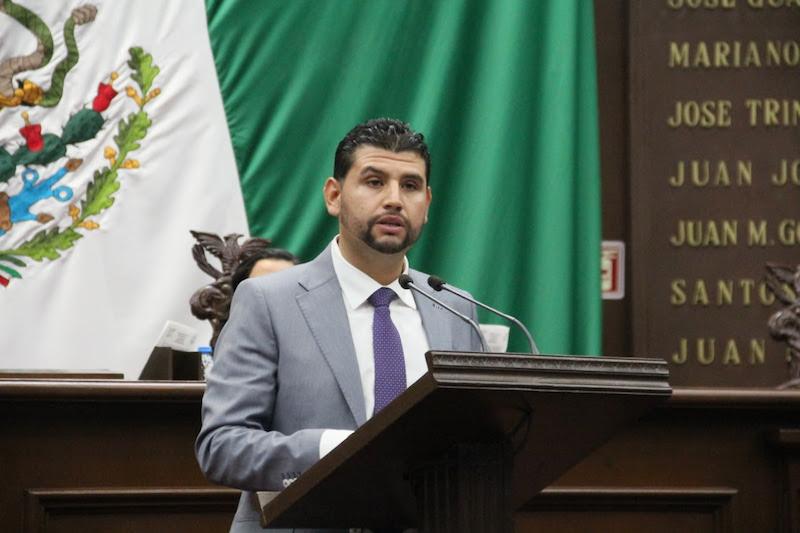 El diputado local por el Distrito de Huetamo, lamentó que, en nuestro país las personas con discapacidad enfrenten múltiples obstáculos para gozar los derechos que establece la Constitución
