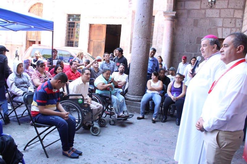"""Al respecto, el arzobispo de Morelia, Carlos Garfias Merlos, expresó que: """"Vivimos una situación que es consecuencia de una crisis de convicciones y valores humanos y cristianos"""""""