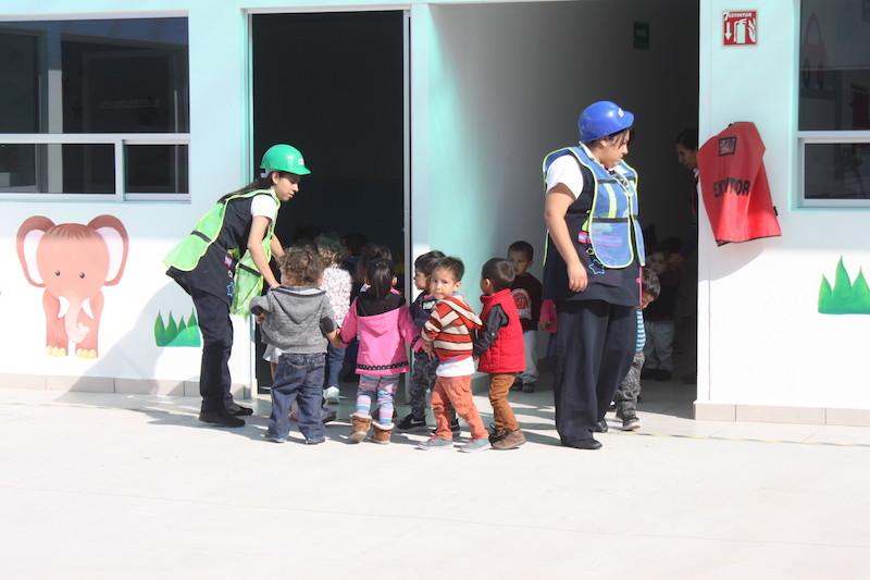 La titular delegacional de Salud en el Trabajo, Prestaciones Económicas y Sociales, Irma Lorena Núñez Rico, conminó a las madres trabajadoras para que continúen depositando la confianza en los servicios de guarderías, que por ley otorga el IMSS