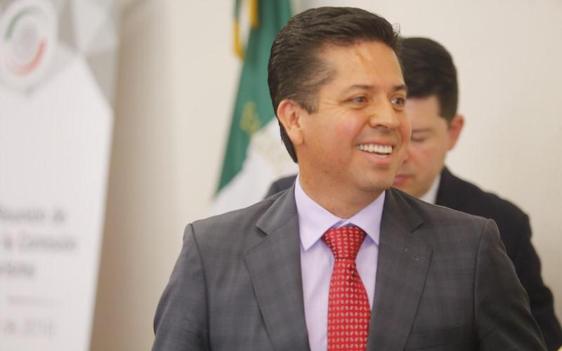 Antonio García expuso, que independientemente de que se debata si los préstamos adquiridos por el país a lo largo de su historia fueron bien aprovechados o no