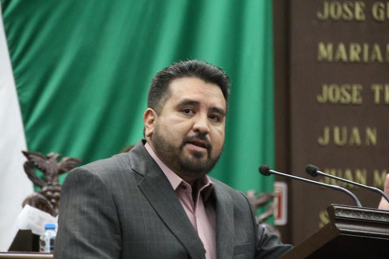 Erik Juárez plantea que, para que la consulta de la Revocación de Mandato surta efectos vinculatorios se requerirá una votación de al menos el 30% de las personas inscritas en el listado nominal de electores del ámbito respectivo