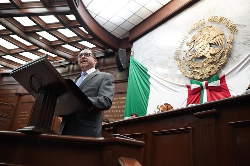 Anaya Ávila sostuvo que esta iniciativa es con un carácter responsable, abierto y democrático, a fin de darle luz a tan importante tema en el parlamento de los michoacanos