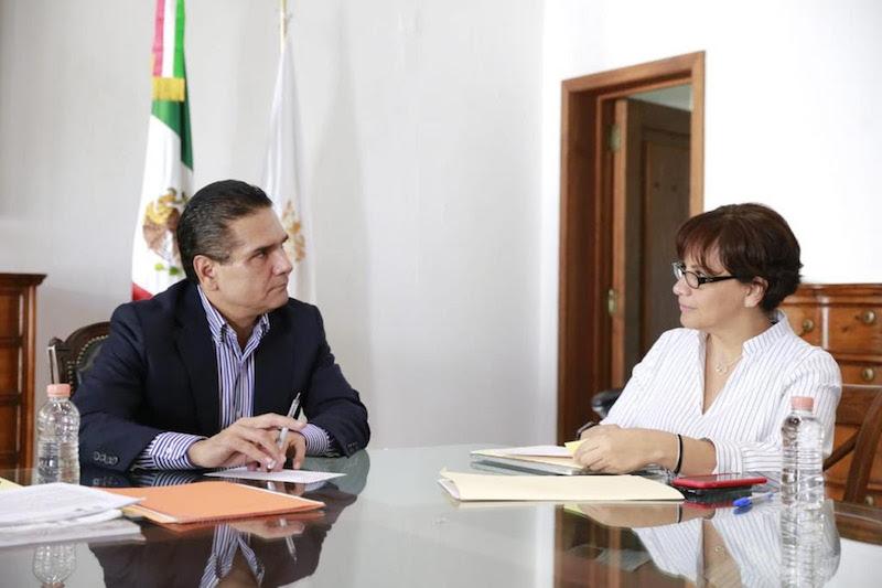 """""""Hicimos el compromiso de garantizar la cobertura en salud y no podemos bajar la guardia, la ciudadana nos lo demanda"""", recalcó Aureoles Conejo"""