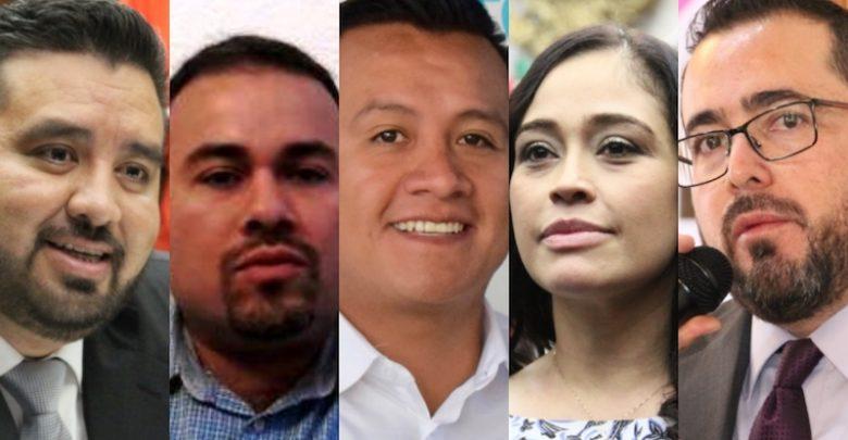 El dirigente estatal de ADN está muy consciente de que en las filas morenistas las candidaturas no las dan ni la experiencia, ni la trayectoria o los méritos, sino solamente el gran dedo elector de López Obrador
