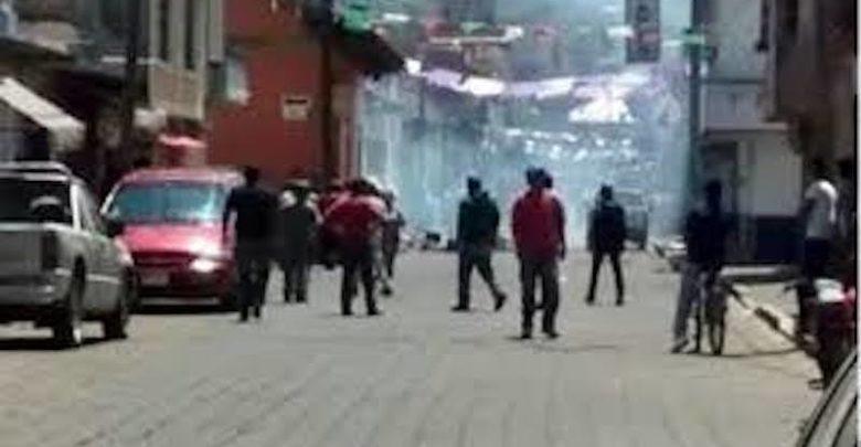 El enfrentamiento ocurrió después de que seguidores del alcalde responsabilizaron al Concejo Ciudadano Indígena de su muerte
