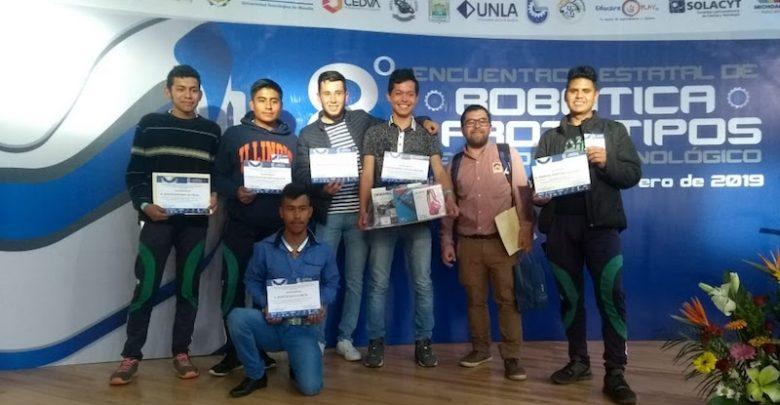 Otros logros son, dos presentaciones especiales a nivel internacional en Panamá y Colombia, y una condecoración municipal por alumno destacado en informática