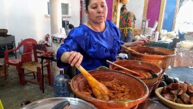 Las Cocineras Tradicionales participan con platillos típicos