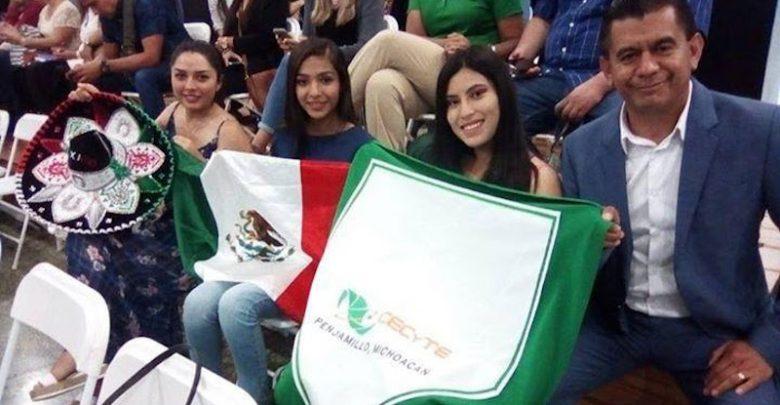 El director general del CECyTE Michoacán, José Hernández Arreola, aplaudió y reconoció los logros obtenidos de las alumnas en Puerto Rico