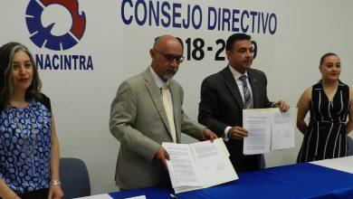El representante de los industriales, Abelardo Pérez Estrada comentó que con este convenio ampliarán el catálogo de cursos que actualmente ofrece la cámara a sus integrantes