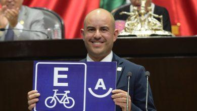 Los ciclopuertos son una estructura urbana básica que, en comparación con los estacionamientos de automóviles, ofrecen mayores beneficios: Adolfo Torres
