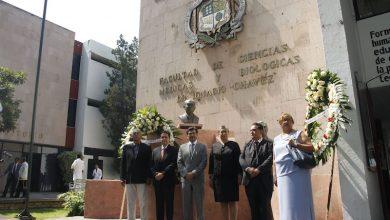 Durante su intervención, Valencia Ortiz realizó un recorrido histórico por algunos de los momentos más importantes de la institución