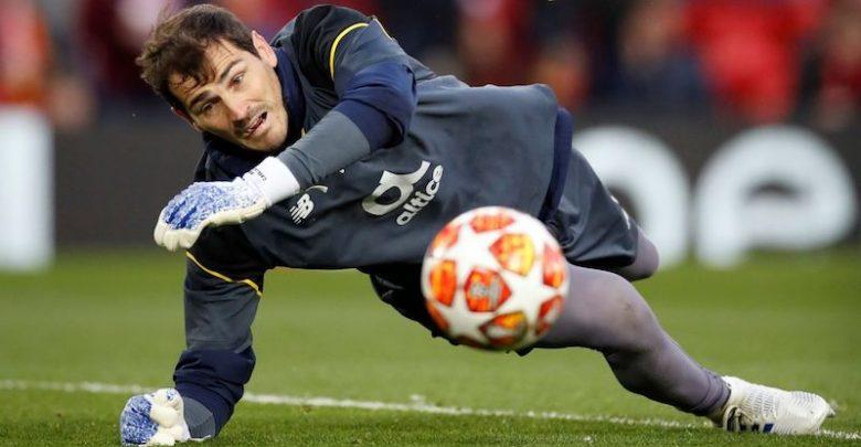 Casillas está a punto de cumplir 38 años, lleva desde 2015 en el Oporto y acaba de renovar su contrato por una temporada más otra opcional