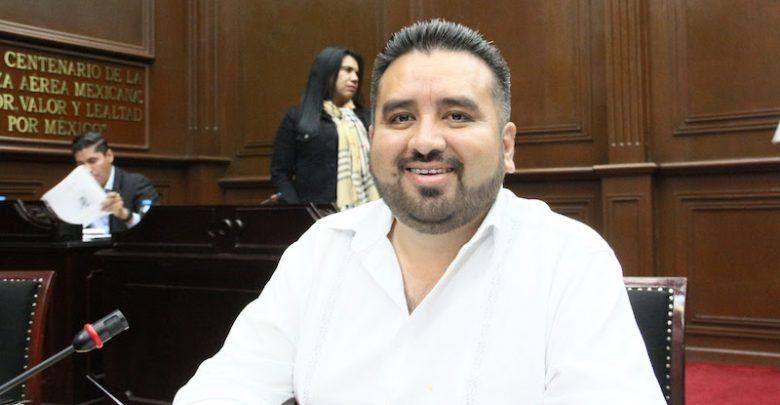 Erik Juárez propone que se asegure el derecho al voto de los michoacanos que radican en el extranjero y ser votados como diputados migrantes