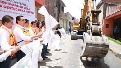 Silvano Aureoles señaló que durante este año se verá la posibilidad de crear caminos en condiciones dignas para las diferentes poblaciones
